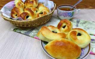 Пирожки с изюмом (печеные)